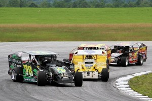 Devil's Bowl Speedway will host stock car events on both asphalt and dirt surfaces in 2014.  (MemorEvents photo)