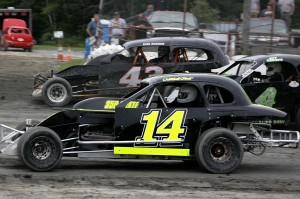 Mitchell Frost (14), Jeff Robbins (4) & Earl MAxham Jr (43) in Sportsman Coupe action