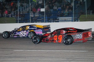 Todd Szegedy (85) leads Richard Savary in VMRS action.
