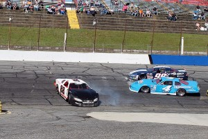 Lee Tissot (88)  spinning in turn 4 on lap 33